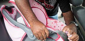 Uso da cadeirinha é obrigatório para crianças até 4 anos
