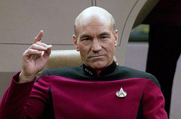 """Patrick Stewart anuncia volta ao papel de capitão Picard em nova série de """"Star Trek"""