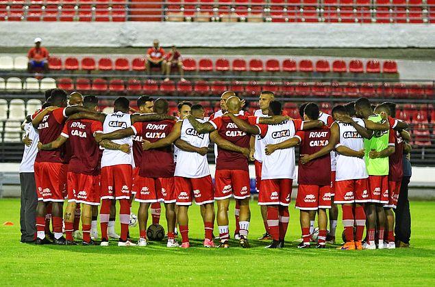 Em Goiânia, CRB duela com o Vila Nova e tenta se recuperar na Série B