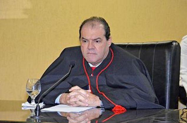 STJ prorroga afastamento de Cícero Amélio do cargo de conselheiro do TC