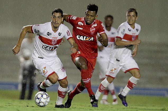 CRB empata sem gols com o Vila Nova e conquista ponto no Serra Dourada