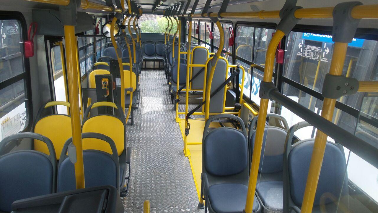 Catracas altas nos ônibus são mantidas