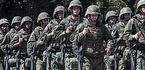 Marinha lança edital com 960 vagas para fuzileiro naval