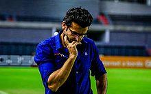 Alberto Valentim no último jogo do Avaí