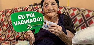 Vídeo: idosa de 113 anos é vacinada contra a Covid-19 em Arapiraca