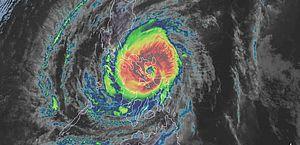 Tufão nas Filipinas faz pelo menos 11 mortos