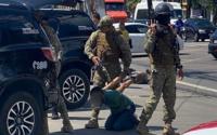 Vídeo: clientes e funcionários são feitos reféns durante assalto em farmácia de Maceió
