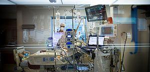 Ocupação de UTIs chega ao pior nível da pandemia, diz Fiocruz; 17 capitais estão em zona de alerta crítica
