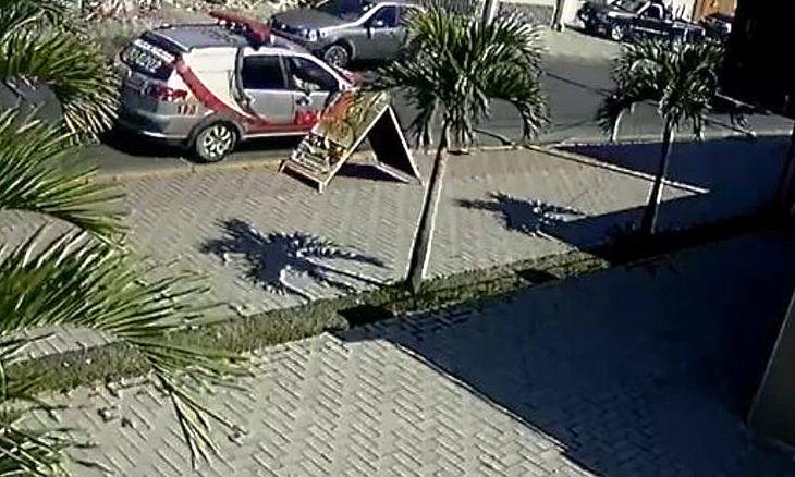 PM é denunciado por mulher no Benedito Bentes