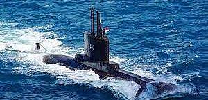 Submarino da Indonésia com 53 tripulantes perde contato e desaparece