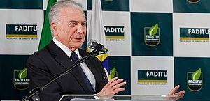 Juiz Marcelo Bretas volta a barrar viagem de Temer ao exterior
