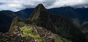 Brasileiros que danificaram Machu Picchu são proibidos de visitar Peru por 15 anos