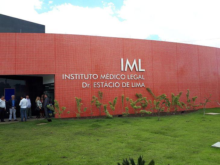 Corpo foi recolhido por agentes do IML