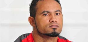 Após internação, goleiro Bruno recebe alta médica e deixa hospital