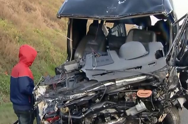 Acidente envolvendo van da banda Sampa Crew deixa um morto e 10 feridos