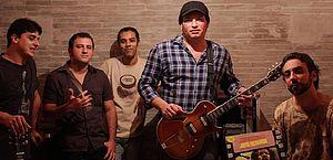 Lives solidárias ajudam cantores e músicos de Maceió