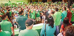 Convenção do MDB em Santo Antônio (RN), lotada, em ginásio fechado