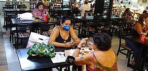 Setor de serviços cai 0,9% em Alagoas no mês de março, diz IBGE