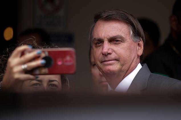 Bolsonaro diz que China liberou insumos para produção da Coronavac no Brasil