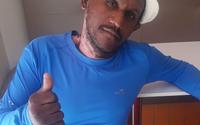 Após quase morrer queimado, homem recusa moradia e volta para as ruas