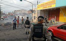 Polícia foi acionada para o Feitosa para negociar liberação da pista