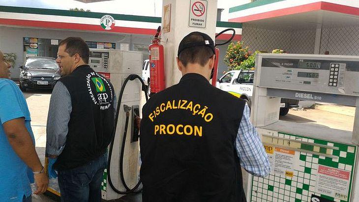 Procon visitou e notificou alguns postos em Arapiraca