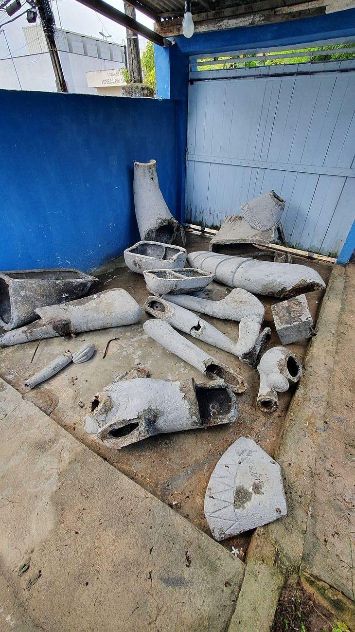 """Destroços da escultura """"Mulher Rendeira"""" já estão em Pernambuco, sob a guarda da família do artista Corbiniano Lins"""