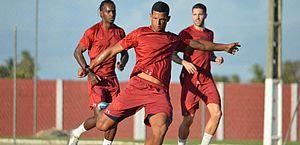 Lucão mira objetivos e espera temporada 2021 especial com a camisa do CRB