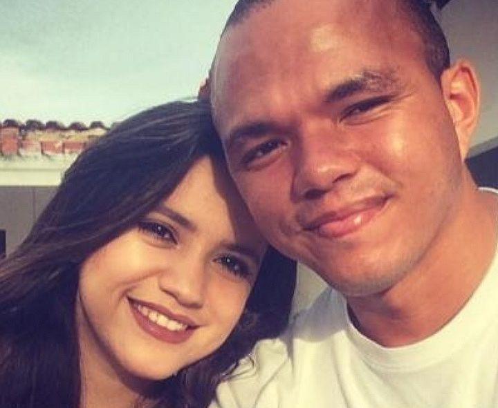Policial encontrou a esposa com outro na cama