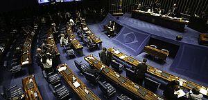 Senadores tentam sustar novo decreto de armas de Bolsonaro