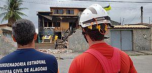Veja vídeo e fotos da demolição do imóvel que pegou fogo durante mais de uma semana no Inocoop