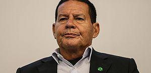 """""""Hoje os governos não devem ter ideologia"""", diz vice de Bolsonaro"""