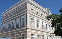 Assembleia promulga lei que institui meia-entrada para professores