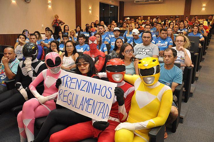 Heróis na audiência da câmara