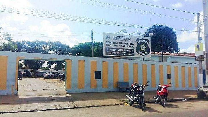 Acusados foram conduzidos até a Delegacia de Arapiraca