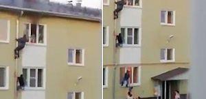 Homens escalam prédio para salvar crianças de incêndio na Rússia; vídeo