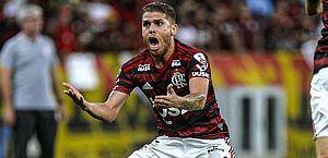 Flamengo afasta Cuéllar após volante pedir para não jogar