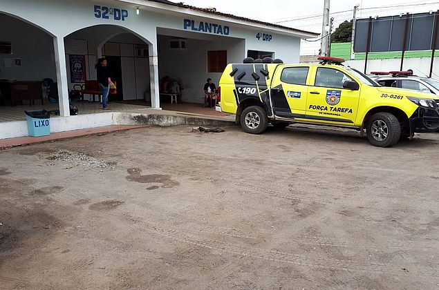 Suspeito de violência doméstica é preso enquanto acompanhava a mulher em hospital