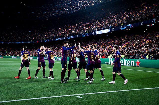 Champions: com dois de Messi, Barcelona elimina United e vai à semifinal