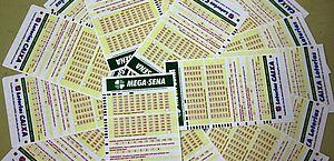 Mega-Sena sorteia nesta quarta-feira prêmio acumulado de R$ 65 milhões