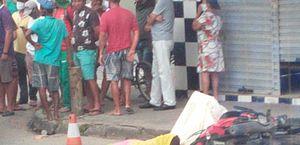 Funcionária do Samu morre atropelada por caminhão; motociclista fica ferido