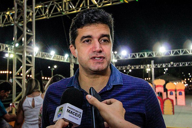 Para o prefeito Rui Palmeira, a política de editais tem garantido a participação democrática dos artistas