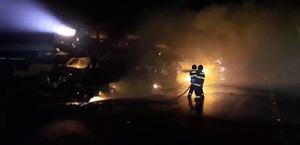 PC vai investigar incêndio que destruiu veículos em caminhões-cegonha