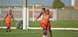Claudinei espera partida sem erros para CRB se recuperar diante do Criciúma