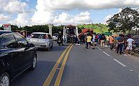 Três pessoas ficam feridas após acidente entre caminhões na BR-316, em Cajueiro