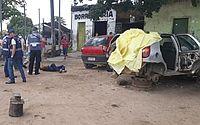 Morador de rua é morto enquanto dormia dentro de carro desmontado em São Sebastião