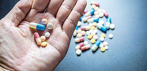 Plano de saúde é condenado em R$ 7 mil por negar medicamento a paciente com câncer
