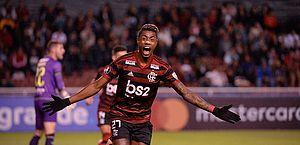 Bruno Henrique tem lesão e desfalca o Flamengo contra o Athletico