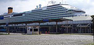 Justiça proíbe desembarque de tripulantes de navio atracado em Santos