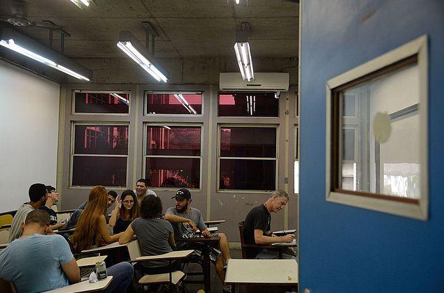 Estados podem editar lei assegurando centros acadêmicos, decide STF